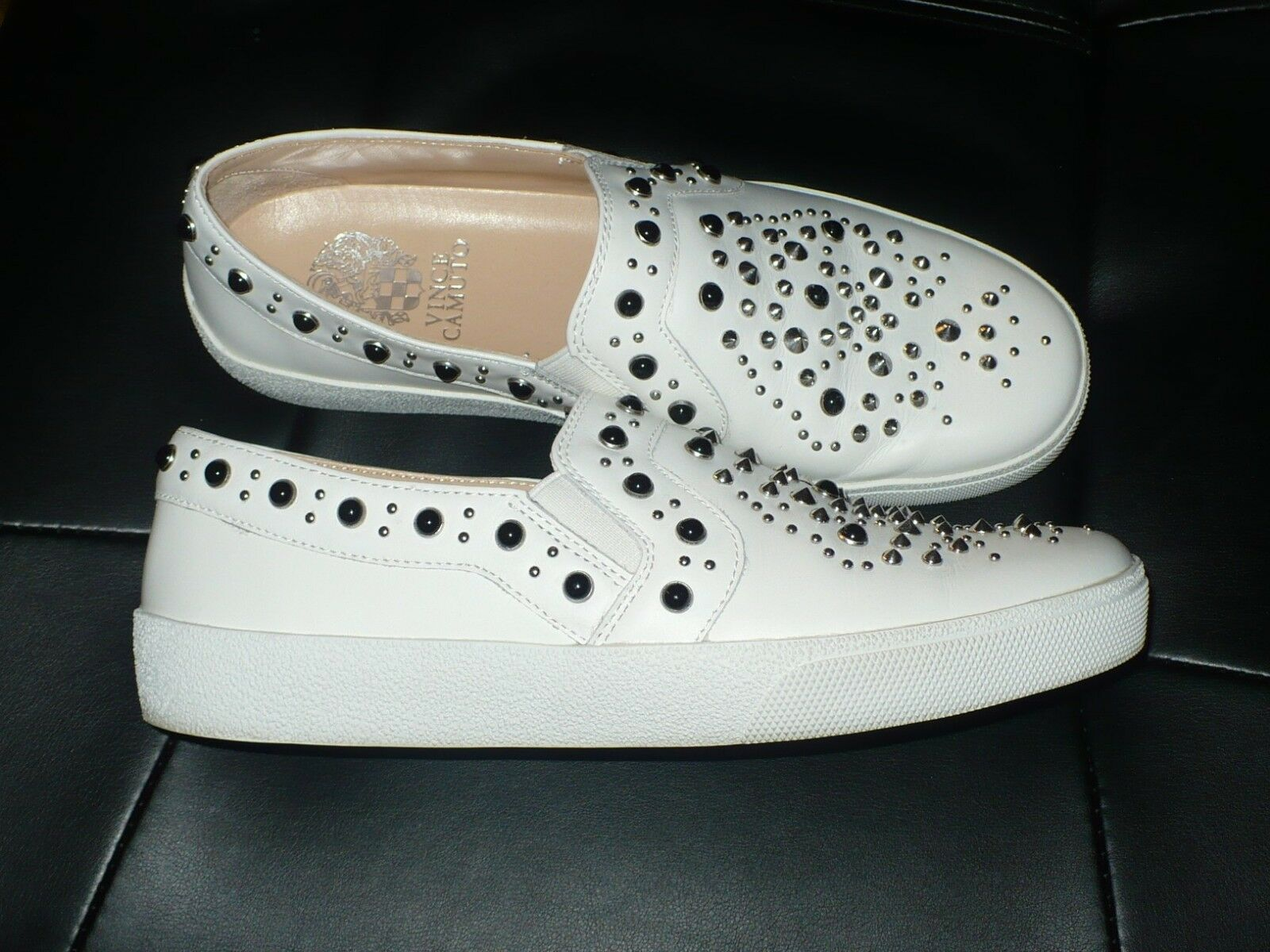 VINCE CAMUTO CASINTIA WEISS STUDDED LEATHER SLIP ON SNEAKER SZ. 7.5 VGC