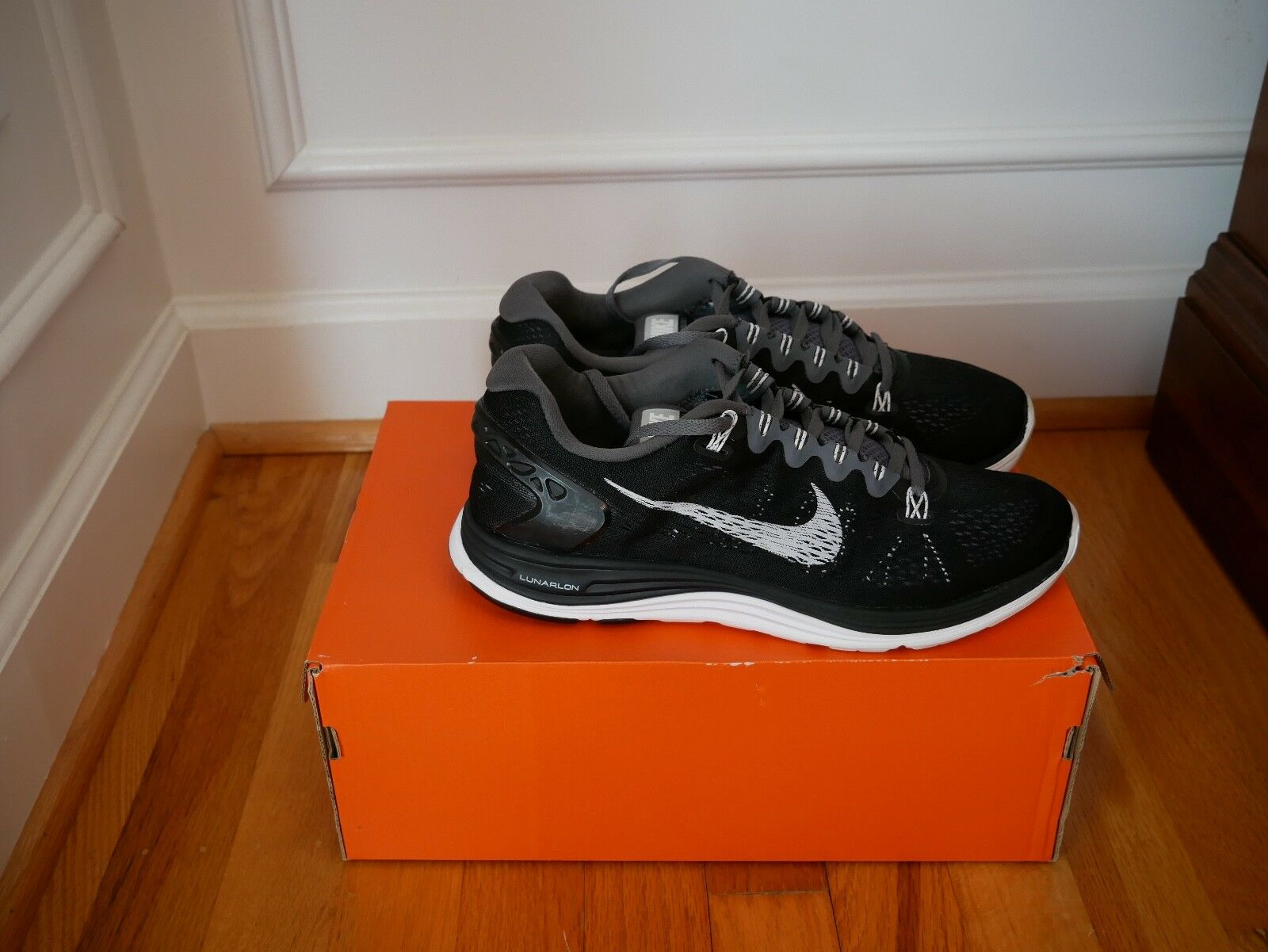 Nike Lunarglide Men's 8; Great Condition; Black and White Seasonal clearance sale