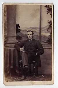 Lb5385-443-Real-Victorian-CDV-Seated-Gentleman