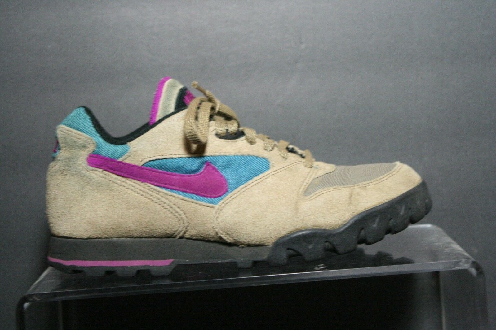Nike Caldera Lo Hiking Shoe 1993 VTG OG Women 9 Trail Multi Purple Teal Ath Hip