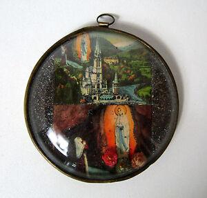 Cadre-rond-verre-bombe-Notre-Dame-de-Lourdes-fleurs-sechees-Vintage-9cm