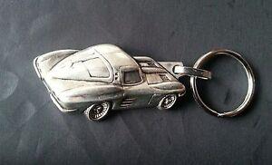 Gehorsam Chevrolet Corvette Schlüsselanhänger Keyring Silbern Relief Maß Fahrzeug 50x25mm Geeignet FüR MäNner Frauen Und Kinder Schlüsselanhänger