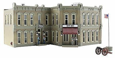 WOODLAND SCENICS N SCALE MUNICIPAL BUILDING   BN   4930