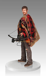Daryl-Dixon-Norman-Reedus-1-4-Format-The-Walking-Dead-Statue-Gentle-Giant
