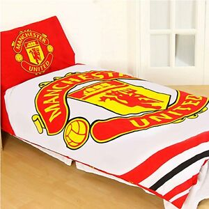Manchester United 'Pulse' Reversible Single Duvet Quilt Cover Set