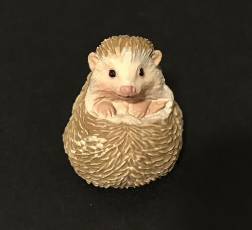 Kaiyodo Capsule Museum Q Manchurian Hedgehog Figure B