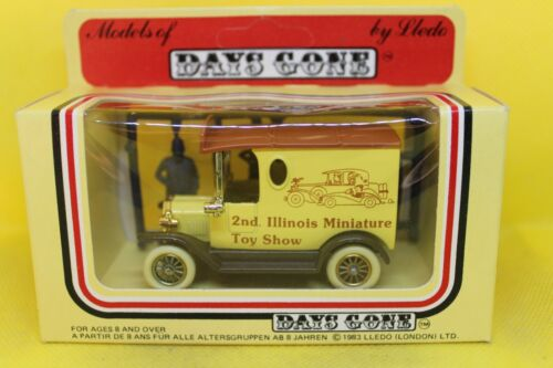 Lledo Days Gone 1920 Model T Ford Van in 2nd Illinois Miniature Toy Show Livery