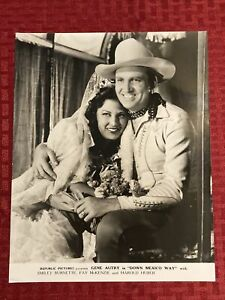 Down Mexico Way Lobby Card Photo Movie Still 8x10 Photo Gene Autry Fay McKenzie