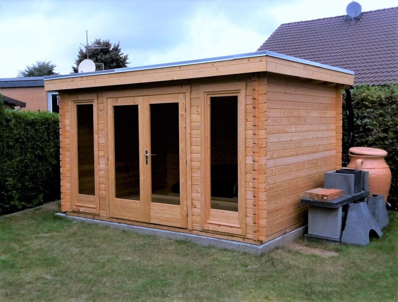 Flachdach Gartenhaus Holz Modern 40mm 3.9x3M, Blockhaus