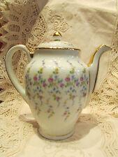 ancienne cafetiere en porcelaine UF a decor floral roses fleurettes