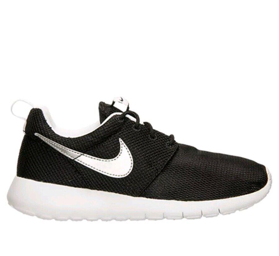 Nike Roshe One GS Black Metallic Silver White Running Sz 6.5Y Shoes 599728 021