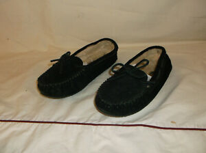 Minnetonka Womens Cally Moccasin Suede Leather Black Slippers Faux Fur Lined 10