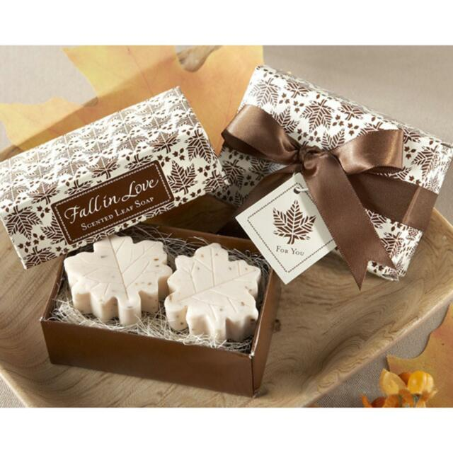 2 Pcs Small Handmade Delicate Scented Maple Leaf Soap Novelty LOVE Gifts Set