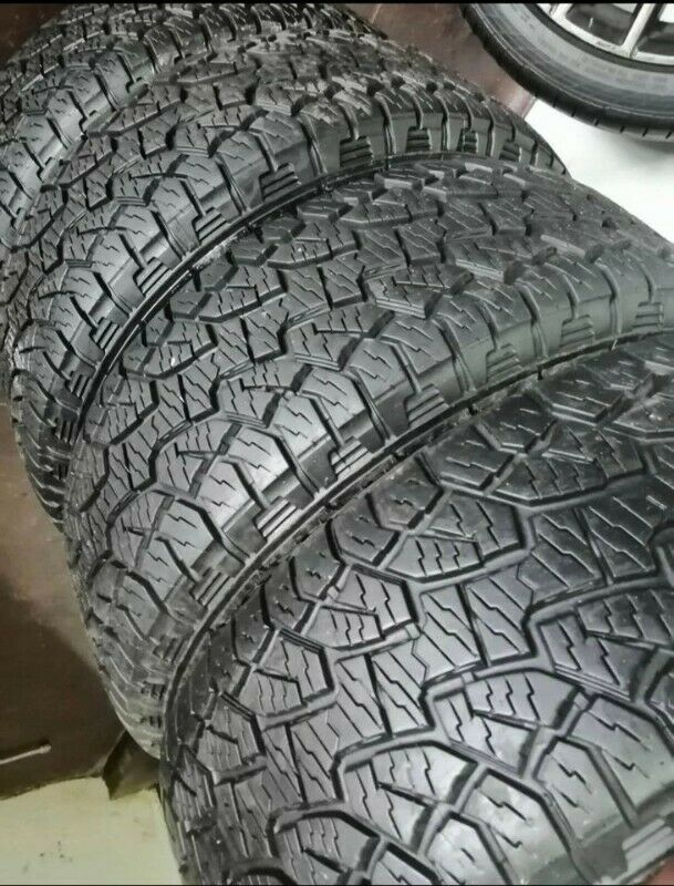 265/70/16 Hankook dynapro for sale 85% treat left like new