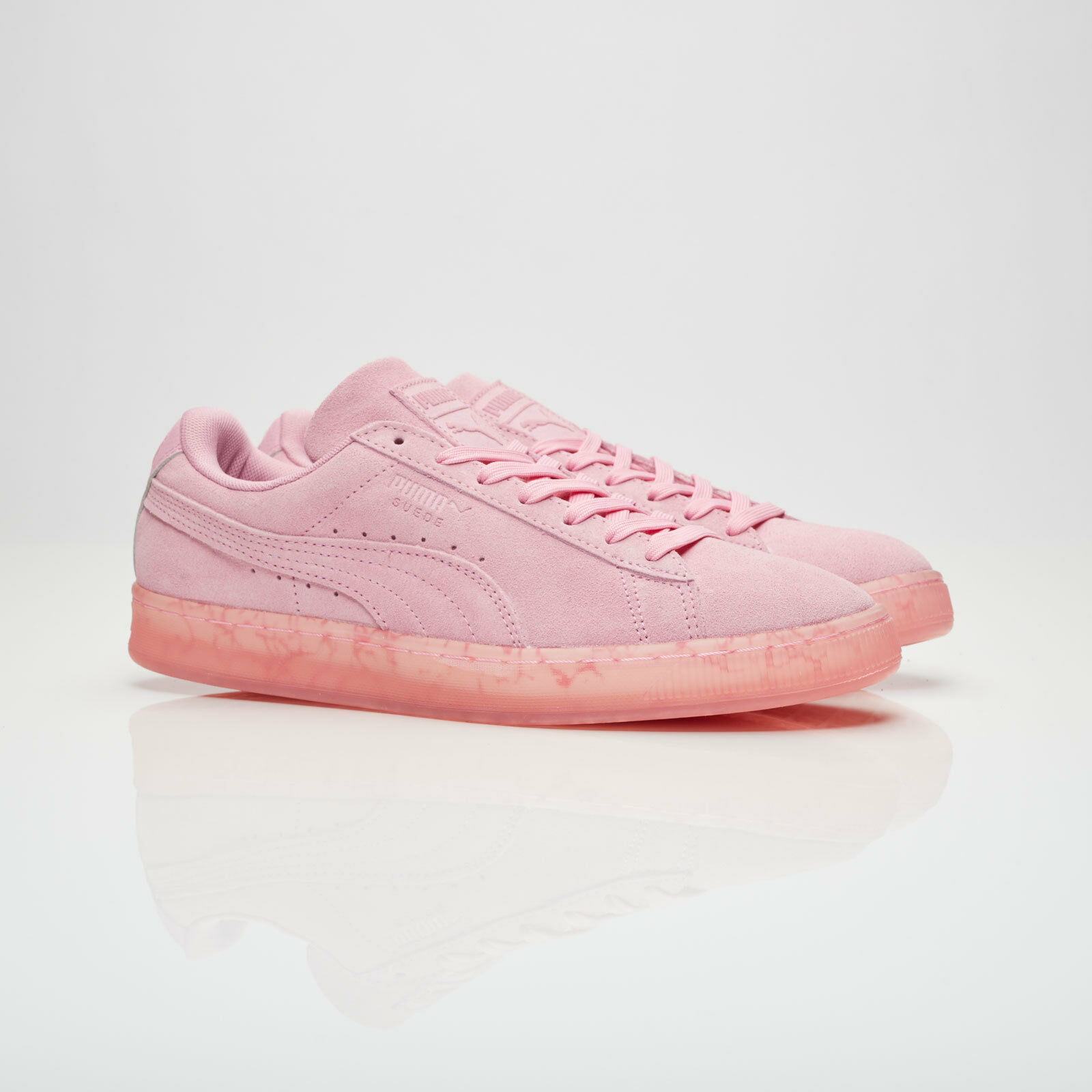 Chaussures Femmes Baskets 9 Puma en Daim Classique Pâques FM