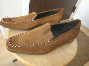 ECCO Women's brown suede driving loafer