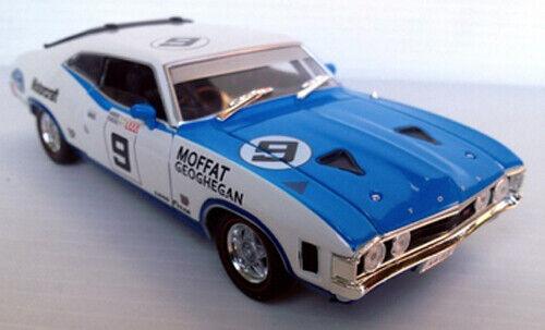 OZLEGENDS Ford Falcon XA GT Hardtop 1 32 Diecast modello Moffat; 9 Serie Racing