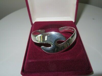 1980/'s Beautiful 925 Sterling Silver Cuff Bracelet In Outstanding Condition.