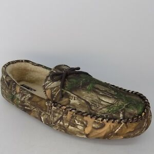 6029809d72c9cf Image is loading Realtree-Bow-Moccasin-Camouglage-Men-039-s-Slippers-