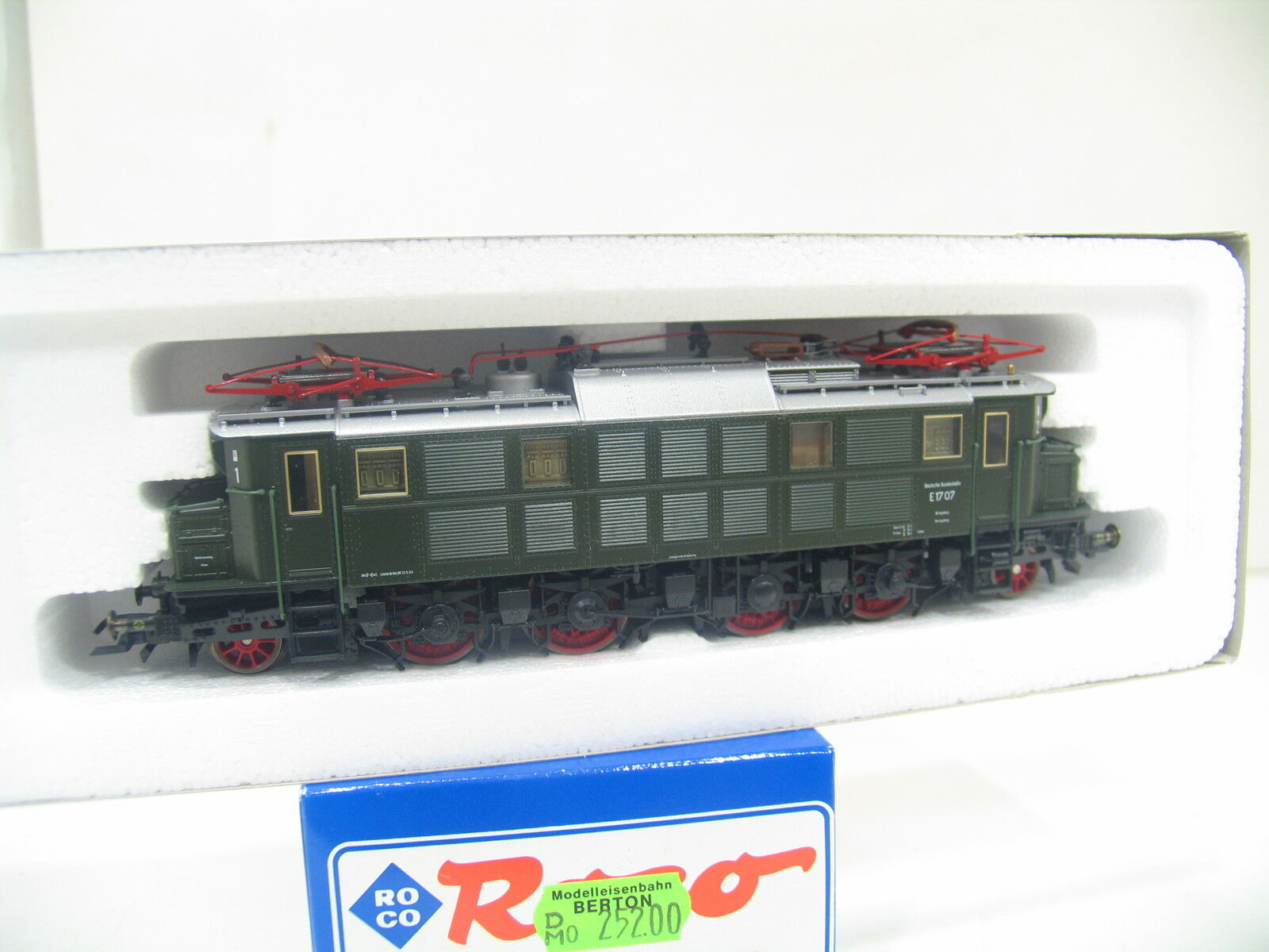 Roco 43717 E-Locomotive E 17 Green the Db bw1095
