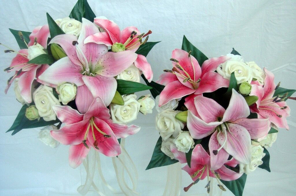 Demoiselles d'honneur bouquets x 2, real touch rose lily, roses