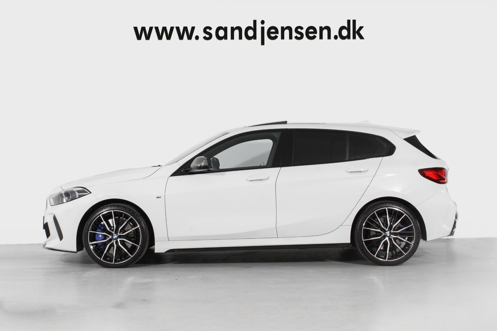 BMW M135i Connected xDrive aut.