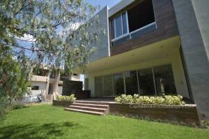 Casa de Lujo Nueva con Amplio Jardin en Reserva Real