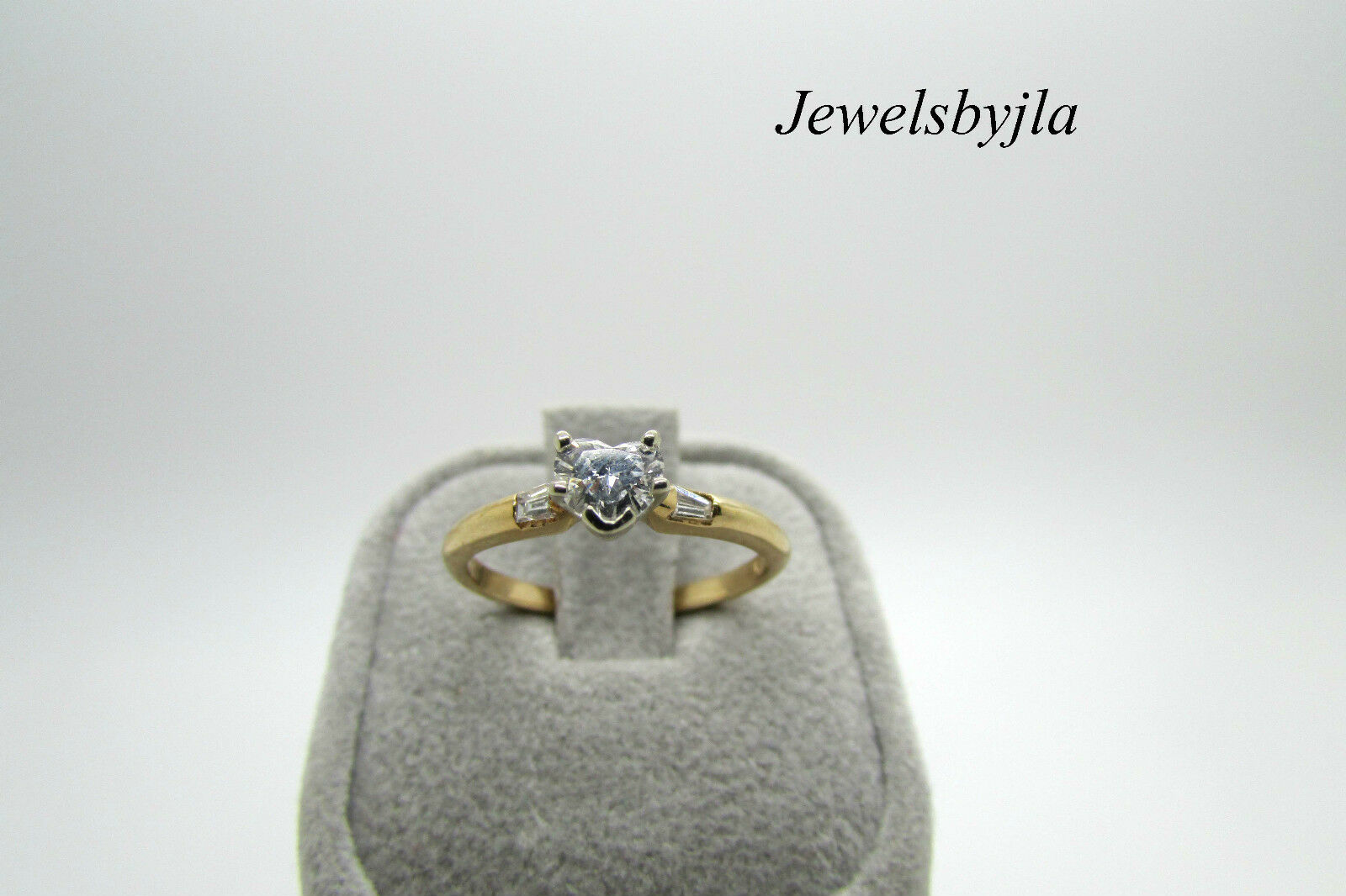 14K Yellow gold Pretty Heart Shaped Diamond Engagement Ring 0.32 cts Size 5
