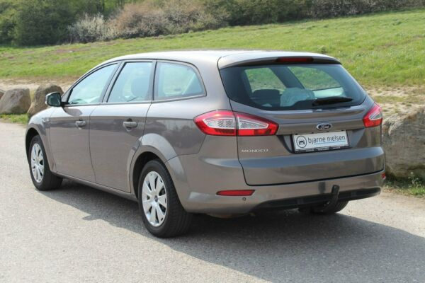 Ford Mondeo 2,0 Trend stc. - billede 2