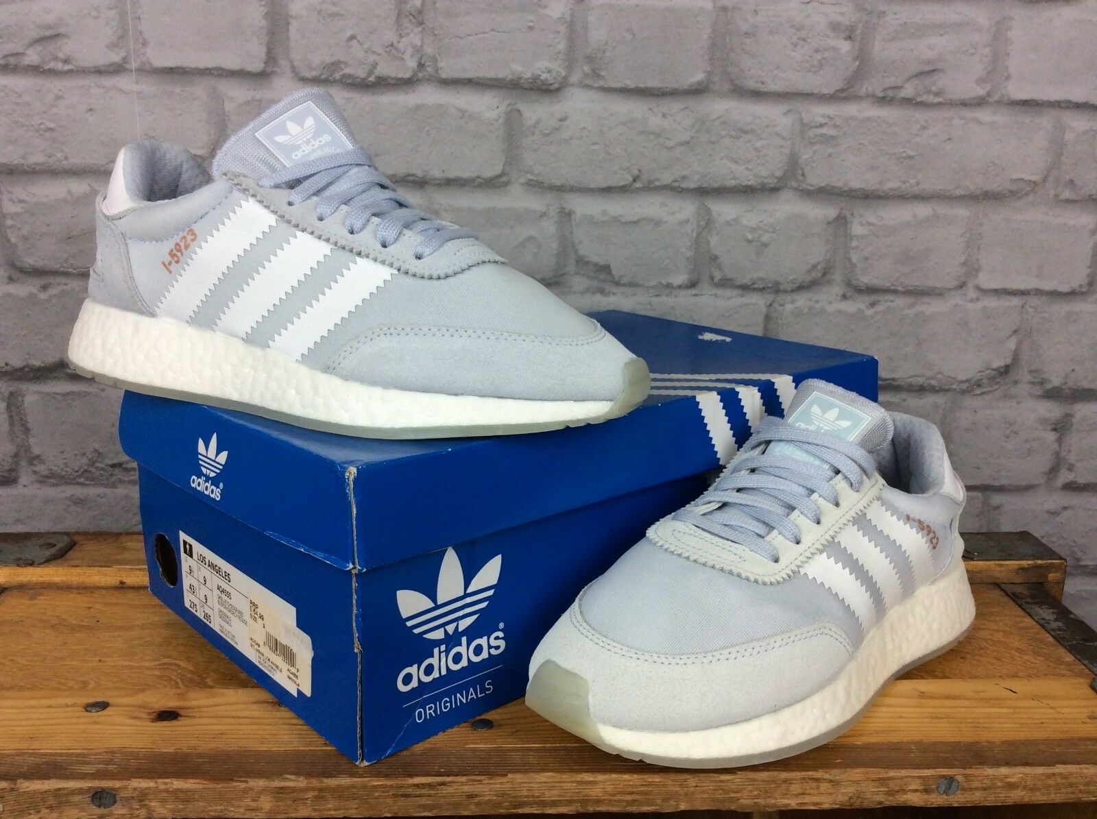 ADIDAS ORIGINALS LADIES6.5 EU 40 PALE bleu I-5923 BOOST TRAINERS