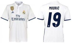 Trikot-Adidas-Real-Madrid-2016-2017-Home-WC-Modric-Badge-Klubweltmeister