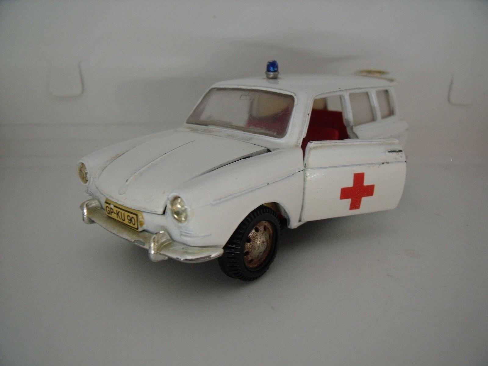VW VOLKSWAGEN VARIANT 1600 L AMBULANCE  MARKLIN JOLIE NICE TOP