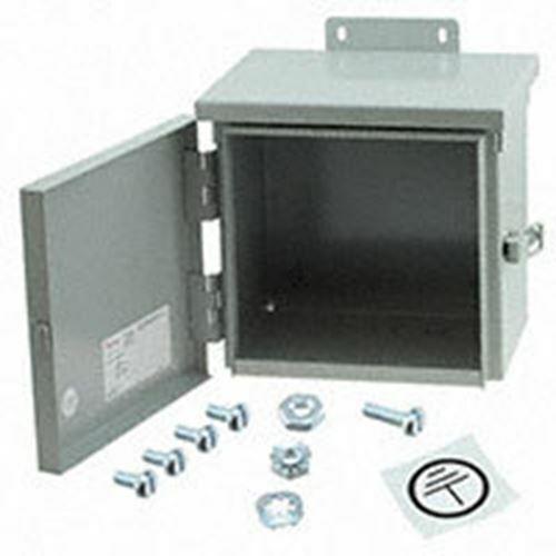 G  steel box  20.3c  x 20.3cmw  novelty items