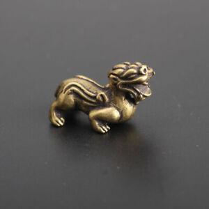 Chinese-Antique-Brass-Mythical-Animals-kylin-Exquisite-hand-piece-statue