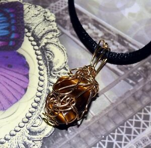 UNIQUE-HAND-CRAFTED-GOLD-WIRE-WRAPPED-TIGER-EYE-PENDANT-1-3-8-INCHES
