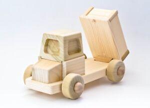 Giocattoli-da-collezione-con-favola-in-omaggio-Idea-regalo-Camion-Pippo-F16