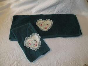 Vintage-Cannon-Towels-Stitched-Lace-Hearts-Dark-Green-Bath-Hand