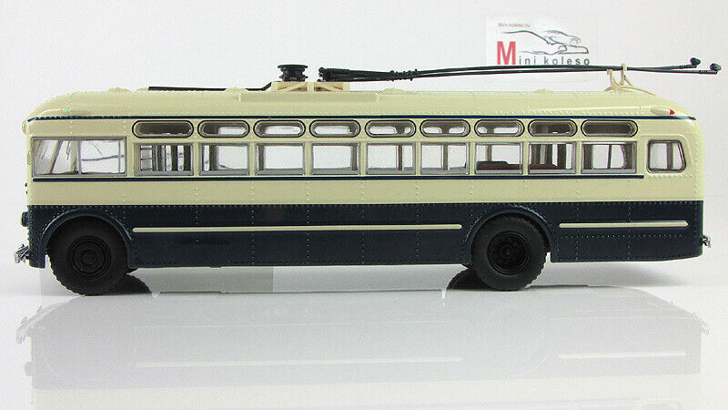 Scale Modelll bus 1 43 Stadt trolleybus MTB-82Д production Tushino Aircraft factory