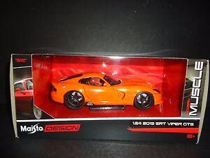 Maisto-Dodge-Viper-Srt-GTS-2013-Arancione-Design-1-24