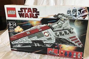 Lego-Star-Wars-8039-Venator-Republic-Attack-Cruiser-New-SEALED
