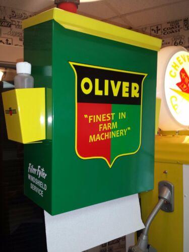 OLIVER TRACTOR NOSTALGIC 50S ERA TOWEL BOX DISPENSER FINEST IN FARM EQUIPTMENT