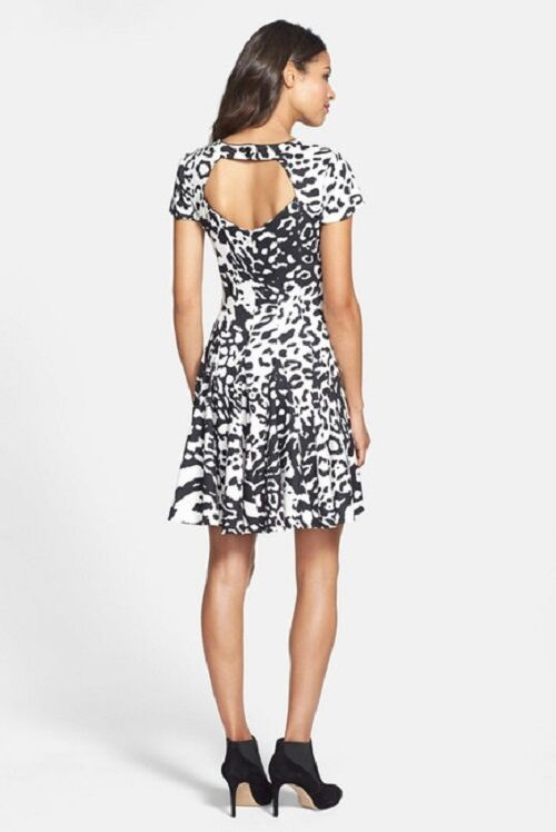 Eliza J Large Back Keyhole Seamed Ponte Knit Fit & Flare Dress (Größe 20W)