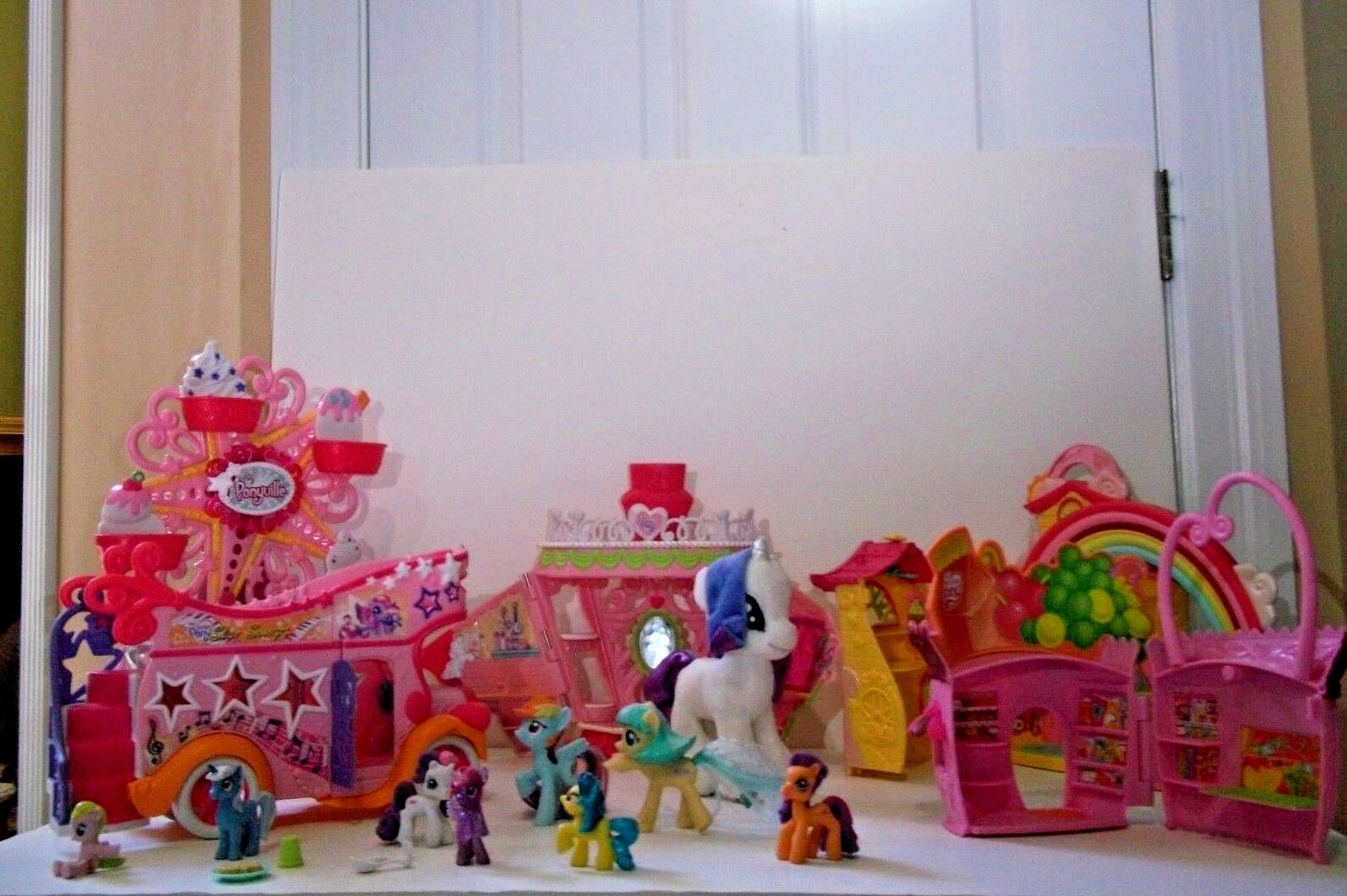 BIG LOT OF MY LITTLE PONY PONYVILLE COLLECTORS ITEMS  Play Sets &  Ponies