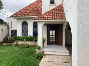 Casa en Montealbán Mérida Yucatán (zona de alta plusvalia)