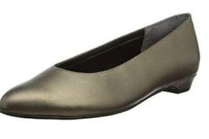 be5a2c01d9e2 ROSE PETALS WALKING CRADLES New Bronze Flats Women s 8 WW Extra Wide ...
