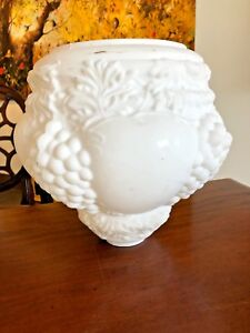 RARE-ANTIQUE-Large-MILK-GLASS-CEILING-LIGHT-SHADE-GLOBE-GRAPES-5-7-8-034-Fitter