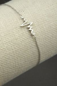 Heartbeat-V-Bracelet-with-1pc-Natural-Diamond-in-9K-White-Gold-amp-Tiffany-Chain