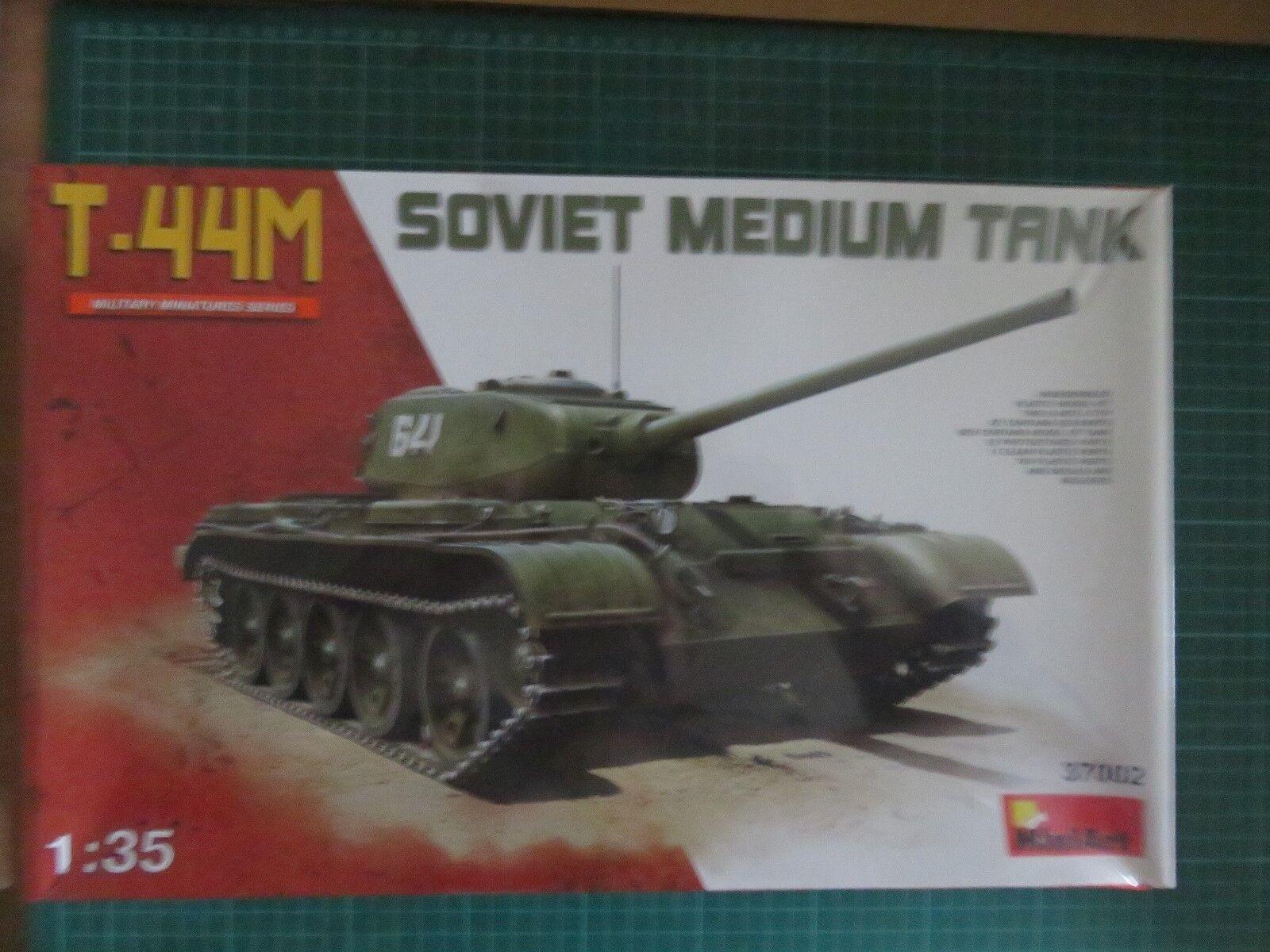Miniart 1 35 scale T-44M Soviet Medium Tank