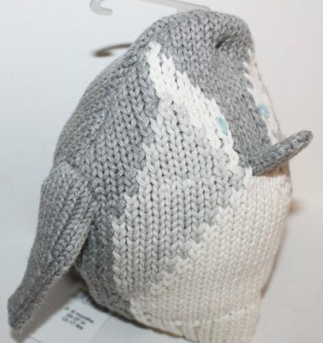 baby Gap NWT Boy/'s Girl/'s Gray Penguin 3-D  Sweater Knit Hat