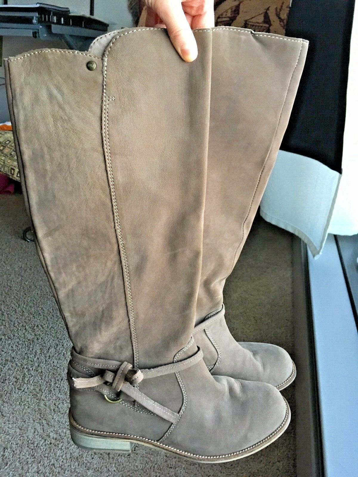EMU Australia Women's Suede Tan Boot - Sz 8
